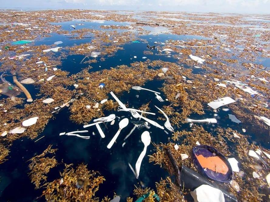 plastovy ostrov