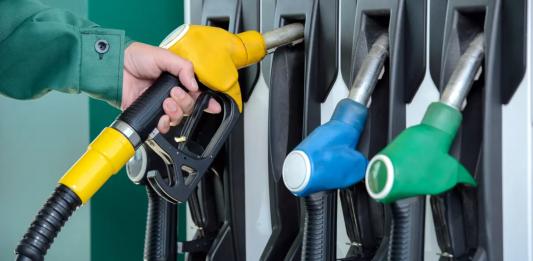 rast cien ropy a benzínu